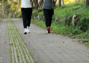 膝の痛み,原因,腰痛