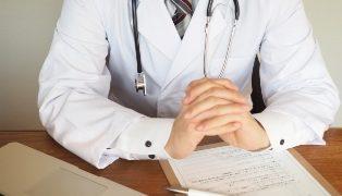 膝の痛み,病院,手術