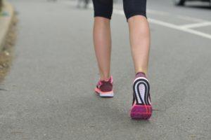 姿勢,歩く,膝の痛み,悪化